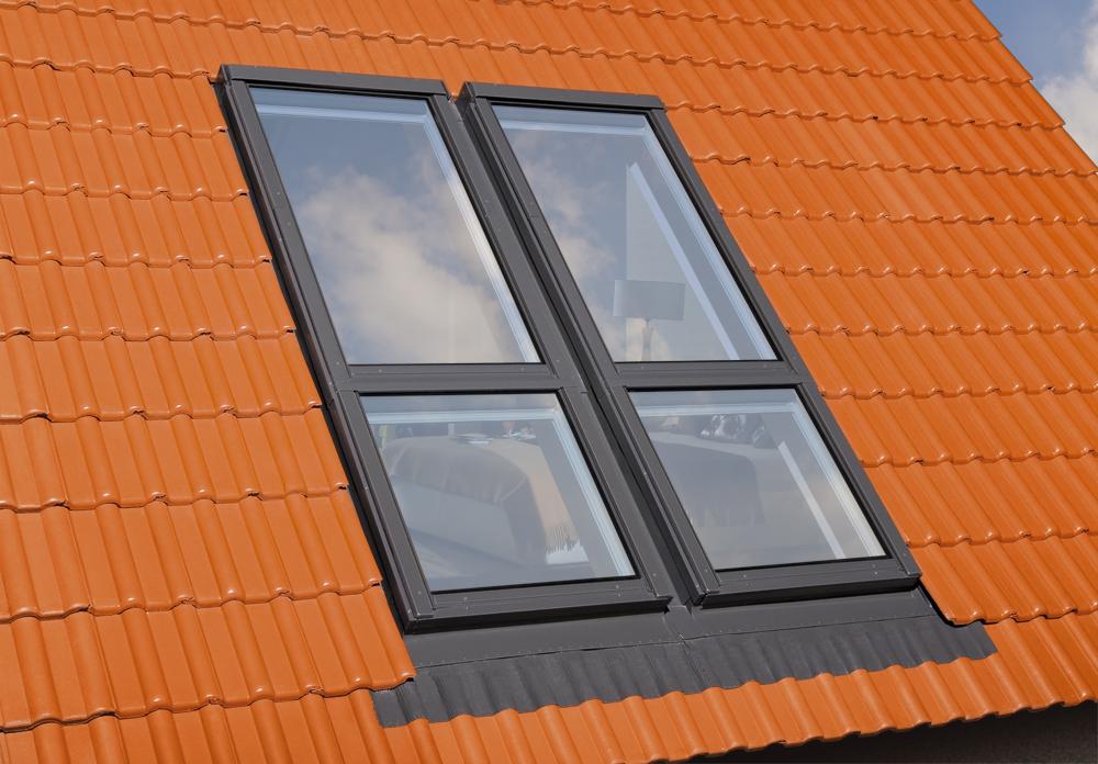 Çatı katı Balkon Modeli, Çatı Penceresi