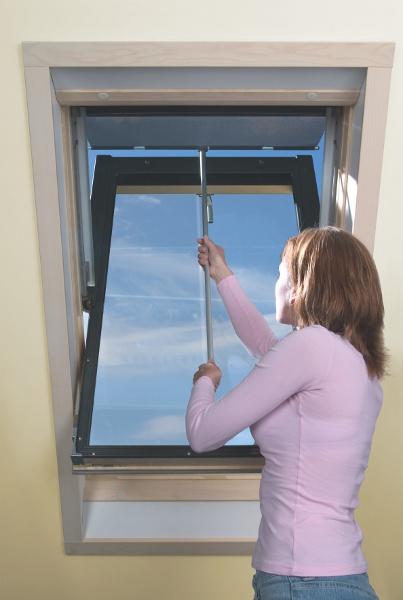 Fakro Çatı Pencere Gölgeliği Rahatça Çıkarılıp Muhazakar Edebilirsiniz.